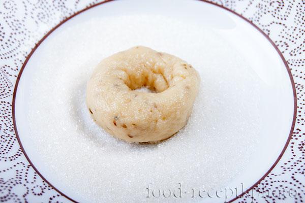 На фото печенье в сахарном песке