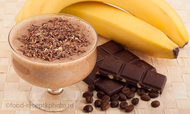 Банановый смузи с кофе и шоколадом