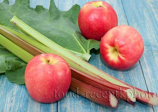 Яблоки и ревень
