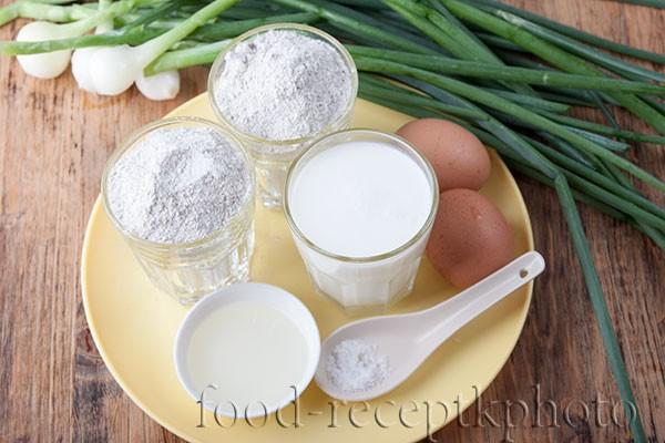 Ингредиенты для лукового пирога: