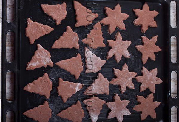 На фото печенье на противне