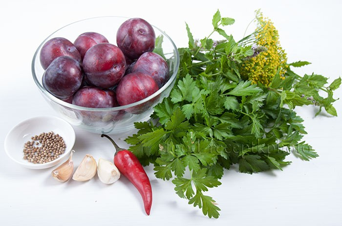 Ингредиенты для соуса из слив