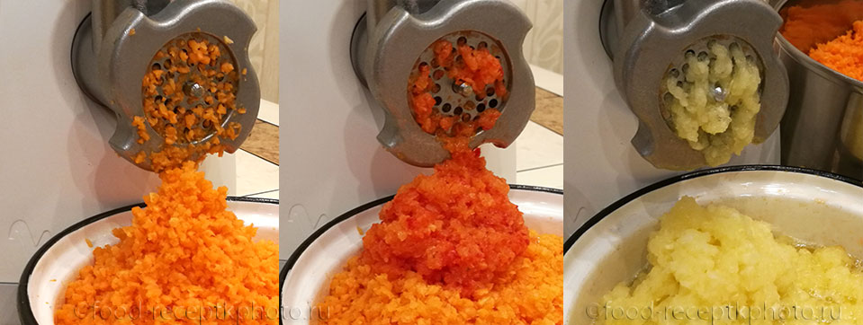 На фото пропущенные через мясорубку овощи моркови,перца и кабачков