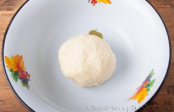 На фото миска с тестом для приготовления каргопольских тонких пирогов