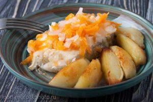 Отварная треска с морковью и лимоном