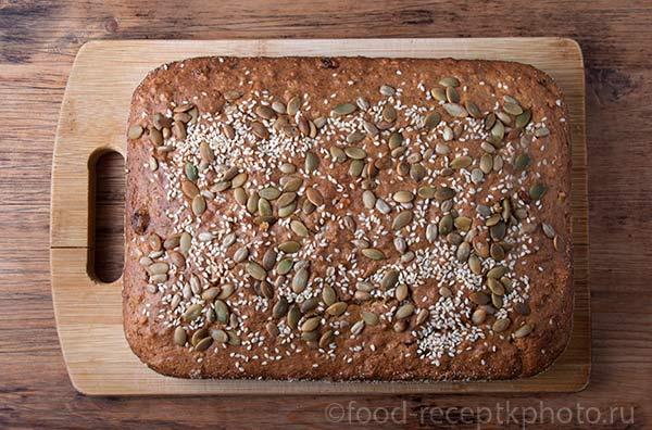 Пирог с манной крупой, сухофруктами и тыквой