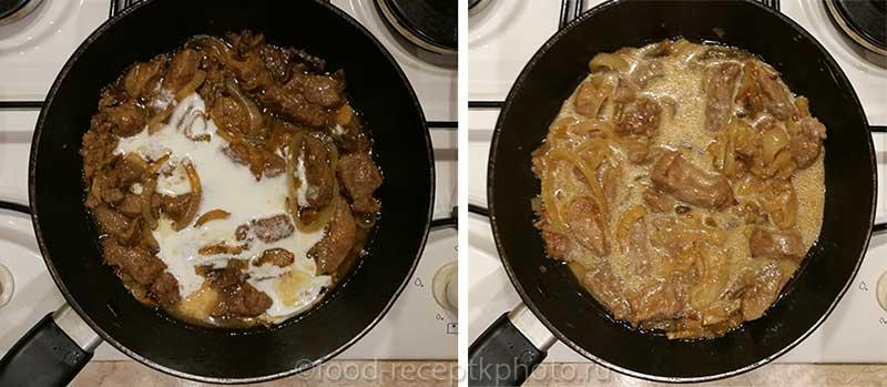Тушеная печень с грибами и луком в сковороде