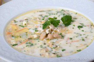 Фасолевый суп с куриным фаршем и овощами