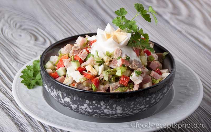 Салат из мяса индейки с огурцом