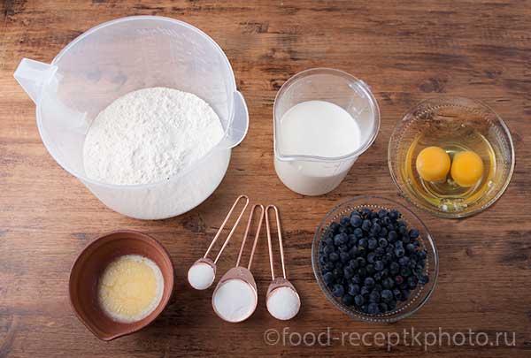 Ингредиенты для блинчиков с голубикой